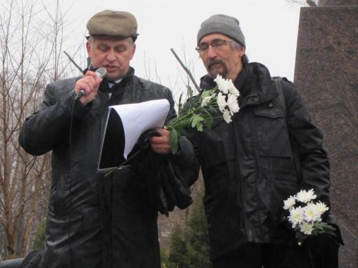 А. А. Бондаренко и Т. К. Мкртычев на открытии Праздника у памятника Н. К. Рериху