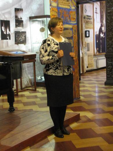 Виктория Шуршина представляет новую постоянную экспозицию в Музее-институте семь