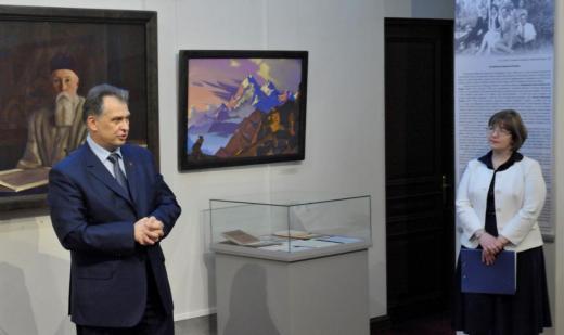 Директор музея-института семьи Рерихов Алексей Бондаренко