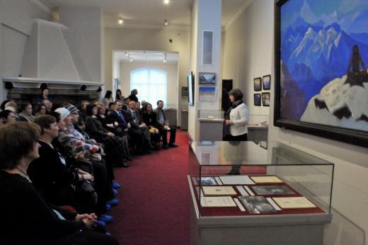 Выставка открывается