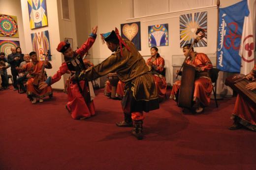 Выступление музыкального коллектива «Нуудэлчин» (Улан-Батор, Монголия). 9 октябр