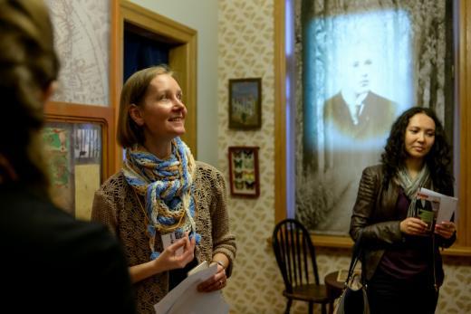 Экскурсию ведёт Анна Александровна Савкина, старший научный сотрудник МИСР